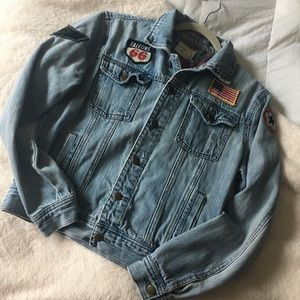 FOREVER 21 | Jean Jacket w/ Patches